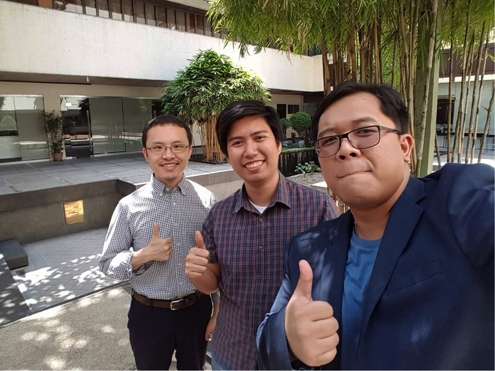 Team Bayanihan (from left): Dongwei Tan (MDM 2017), MIB Team Leader Jeremy Bedano, and Emil Tanchico (MBA 2017)